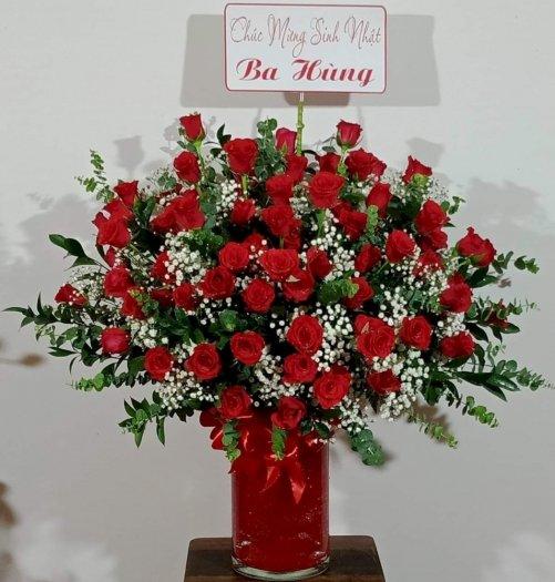 Bình hoa hồng đỏ rực rỡ chúc mừng sinh nhật - LDNK140