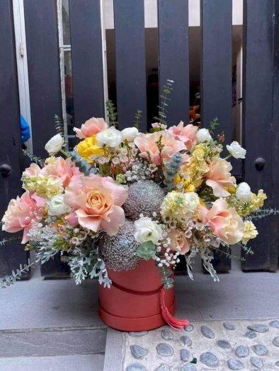 Bình hoa cúc mẫu đơn và hoa hồng chúc mừng khai trương - LDNK200