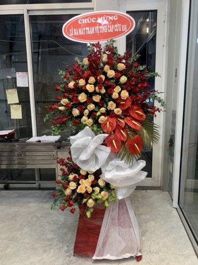 Lẵng hoa tươi 2 tầng tone đỏ chúc mừng khai trương - LDNK220
