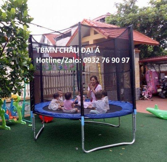 Sàn nhún trẻ em có lưới bảo vệ3
