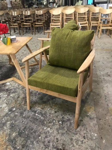 Ghế sofa gỗ ash chân tròn cho quán cafe0