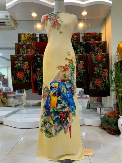 Vải nhung nhật đính đá chú chim két dễ thương độc đáo của vải áo dài Kim Ngọc4