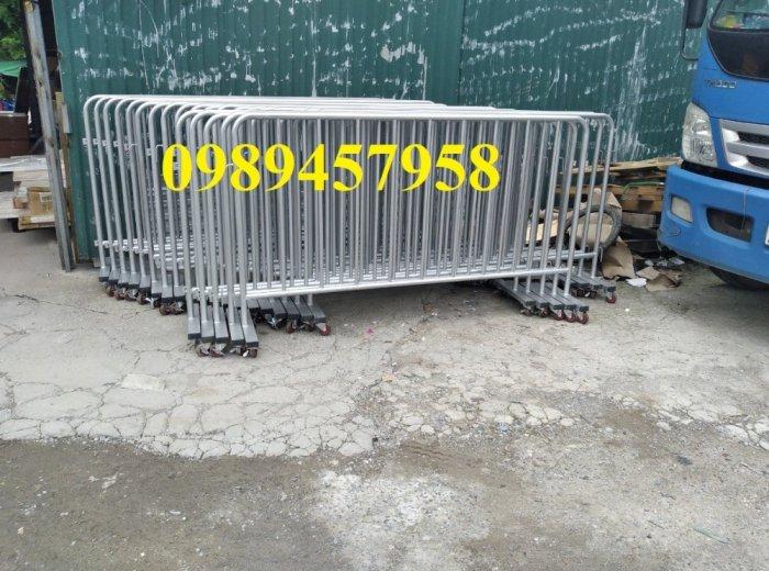 Sản xuất khung hàng rào di động, hàng rào cách ly khu vực Covid có sẵn4