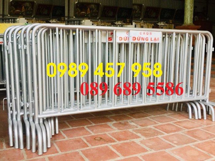 Sản xuất khung hàng rào di động, hàng rào cách ly khu vực Covid có sẵn1