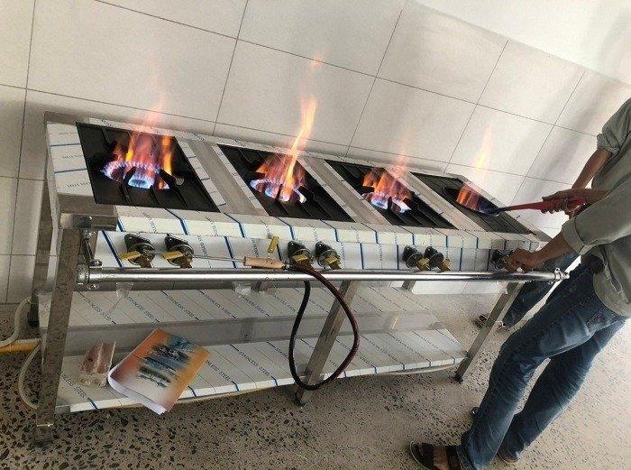 Bếp ga inox công nghiệp 3 họng đốt Hải MInh11