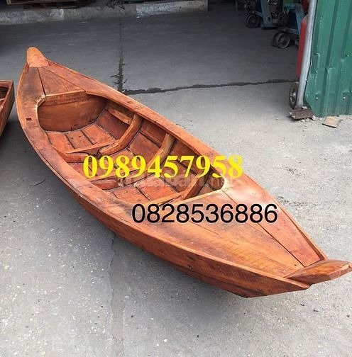 Thuyền 3 lá, thuyền gỗ tam bản trưng bày, chụp ảnh2