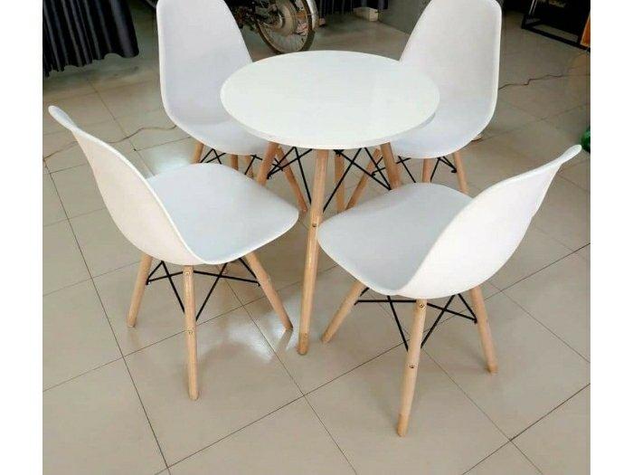 Bộ bàn ghế nhựa chân gỗ cao cấp0