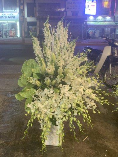 Bình hoa chia buồn thành kính - LDNK460