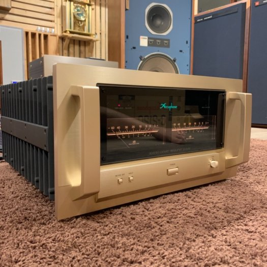 Accuphase P-71004