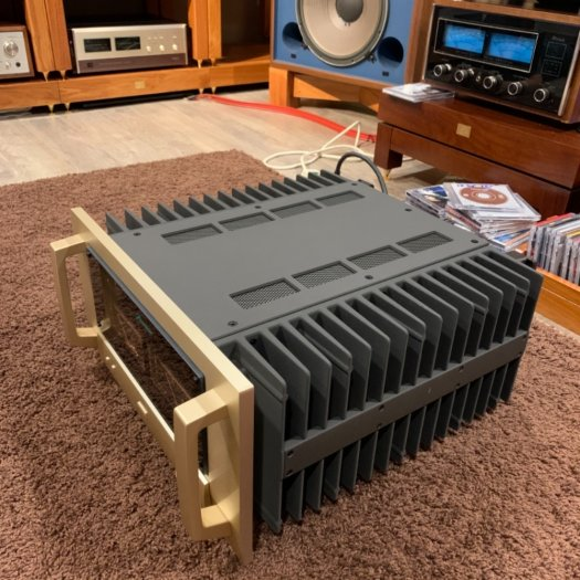 Accuphase P-71003