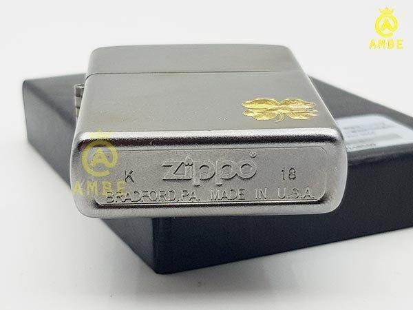 Bật lửa Zippo Satin cỏ 4 lá may mắn Z1900