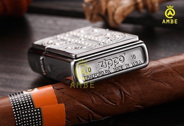 Bật lửa Emblem Đô La Mỹ đính đá Zippo 209045