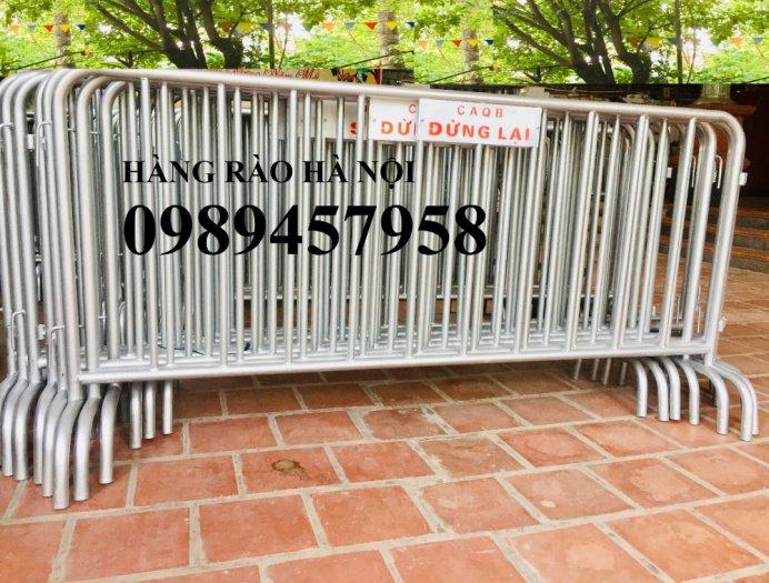 Sản xuất hàng rào di động khoanh khu vực cách ly Covid 1mx2m, 1,2mx2m và 1,5mx2m12