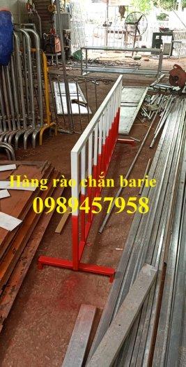 Sản xuất hàng rào di động khoanh khu vực cách ly Covid 1mx2m, 1,2mx2m và 1,5mx2m8