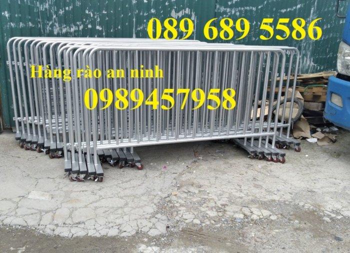 Sản xuất hàng rào di động khoanh khu vực cách ly Covid 1mx2m, 1,2mx2m và 1,5mx2m3