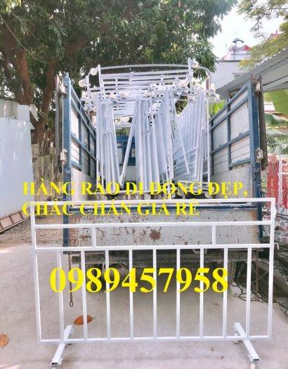 Sản xuất hàng rào di động khoanh khu vực cách ly Covid 1mx2m, 1,2mx2m và 1,5mx2m2