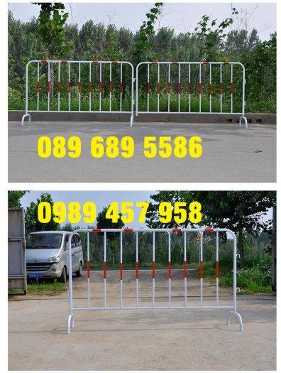 Sản xuất hàng rào di động khoanh khu vực cách ly Covid 1mx2m, 1,2mx2m và 1,5mx2m1