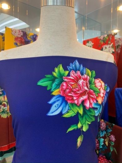 Vải áo dài nhung nhật đính đá TU 131 của vải áo dài Kim Ngọc24