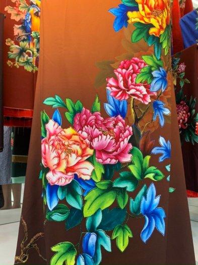 Vải áo dài nhung nhật đính đá TU 131 của vải áo dài Kim Ngọc16