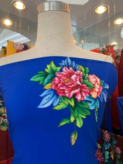 Vải áo dài nhung nhật đính đá TU 131 của vải áo dài Kim Ngọc10