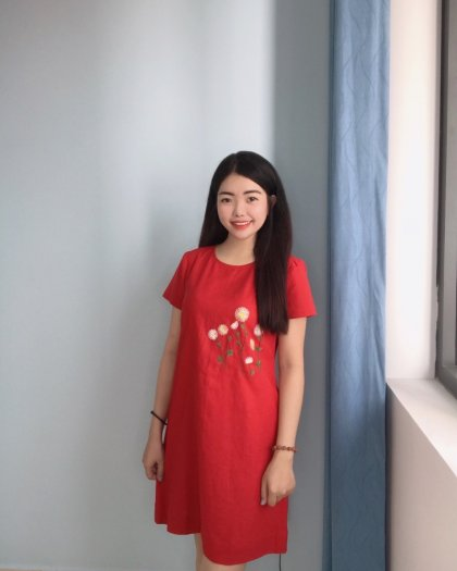 Đầm suông màu đỏ thêu bông hoa trẻ trung D5.21