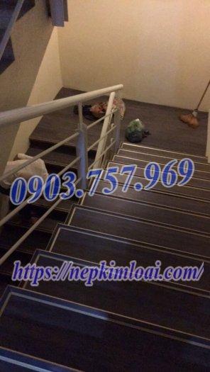 Thanh nhôm chống trơn cầu thang0