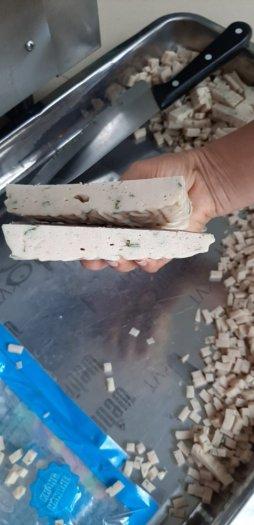 Máy thái hạt lựu chả cá, máy cắt chả cá hạt lựu, máy cắt lát hạt lựu chả cá2