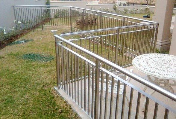 Hàng rào bảo vệ ngôi nhà Hải Minh13