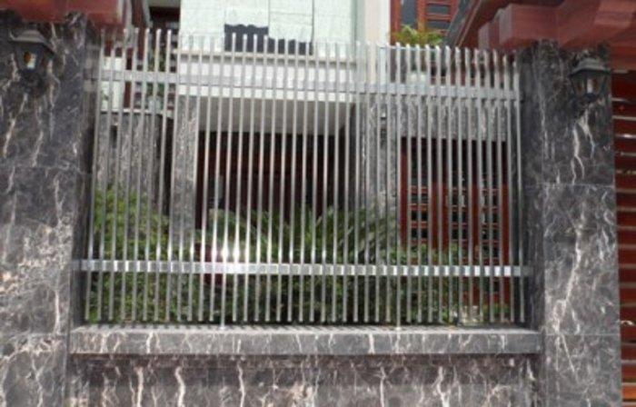 Hàng rào bảo vệ ngôi nhà Hải Minh0