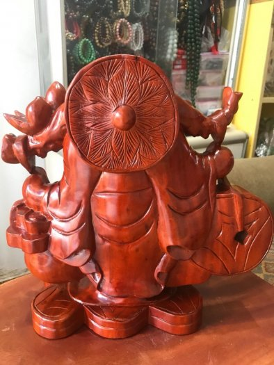 Tượng Phật Di Lặc Gỗ Đứng Gánh Tiền Hủ Tiền To Size cao 39cm x N 39cm x S16cm có 3500k2
