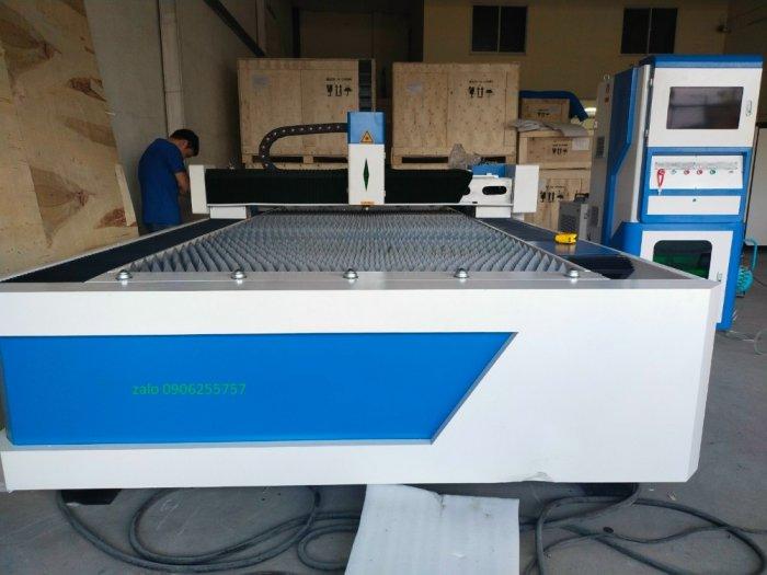 Máy cắt laser fiber 1000w giá rẻ tại thanh trì hà nội phù hợp cho xưởng cắt inox3