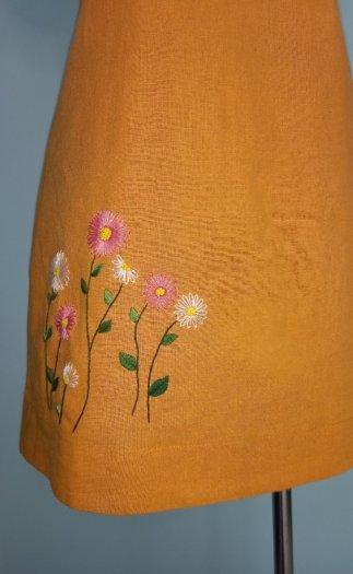 Đầm suông A họa tiết thêu ở lai thời trang tự thiết kế D91