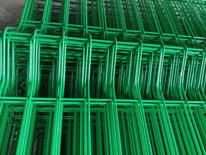 Lưới hàng rào D6 sơn tĩnh điện màu xanh lá, chấn sóng- Nhật Minh Hiếu6