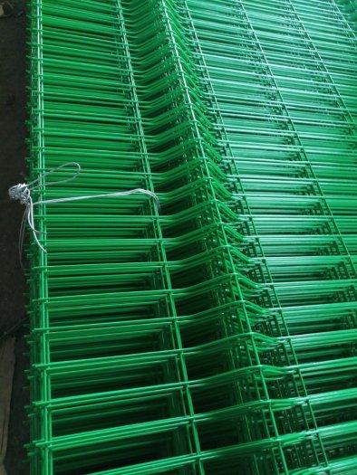 Lưới hàng rào D6 sơn tĩnh điện màu xanh lá, chấn sóng- Nhật Minh Hiếu4