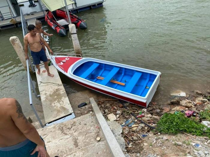 Xưởng ghe thuyền Composite Hà Nội  Việt Phát Thuyền cứu trợ lũ lụt, thuyền cứu hộ  thiện nguyện   -096988318616