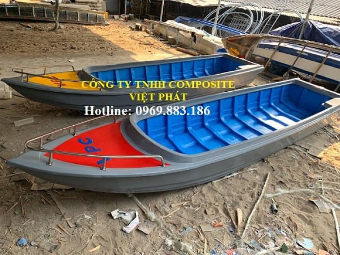 Thuyền composite dài 6m rộng 1.7m tải trọng 20 người cứu hộ lũ lụt Quảng Bình, Quảng Trị  - 0969883186 -Composite Việt Phát1