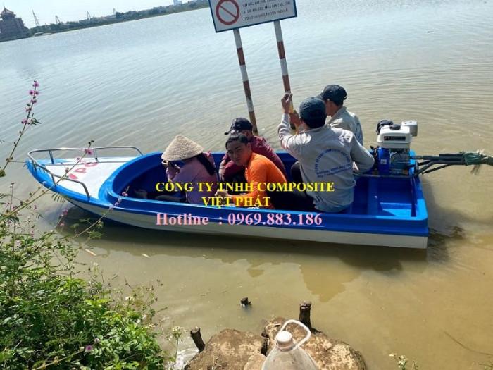 Thuyền composite dài 6m rộng 1.7m tải trọng 20 người cứu hộ lũ lụt Quảng Bình, Quảng Trị  - 0969883186 -Composite Việt Phát2