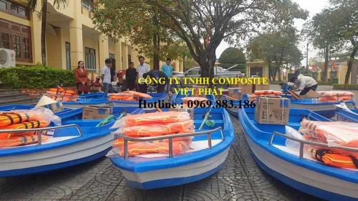 Thuyền composite dài 6m rộng 1.7m tải trọng 20 người cứu hộ lũ lụt Quảng Bình, Quảng Trị  - 0969883186 -Composite Việt Phát6