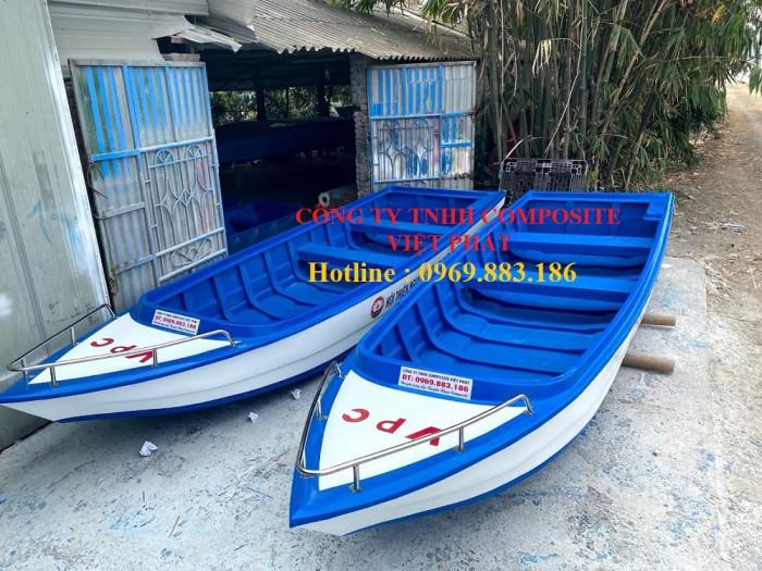 Thuyền composite dài 6m rộng 1.7m tải trọng 20 người cứu hộ lũ lụt Quảng Bình, Quảng Trị  - 0969883186 -Composite Việt Phát10