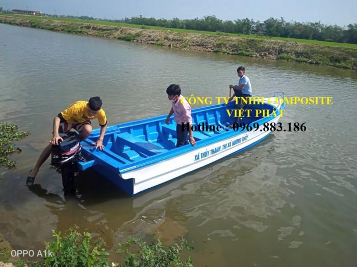 Thuyền composite dài 6m rộng 1.7m tải trọng 20 người cứu hộ lũ lụt Quảng Bình, Quảng Trị  - 0969883186 -Composite Việt Phát12