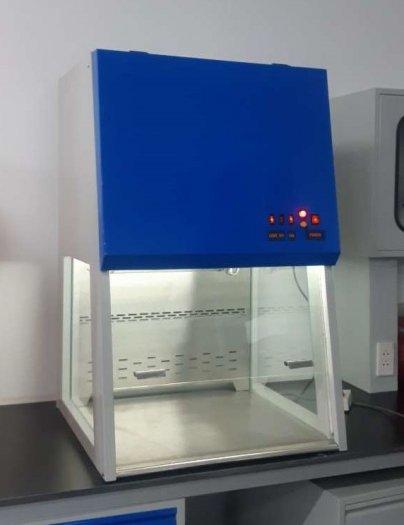 Tủ thao tác PCR1