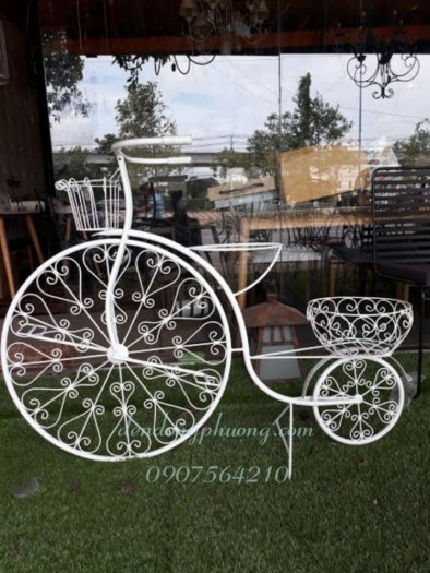 Xe đạp sắt trang trí sân vườn0