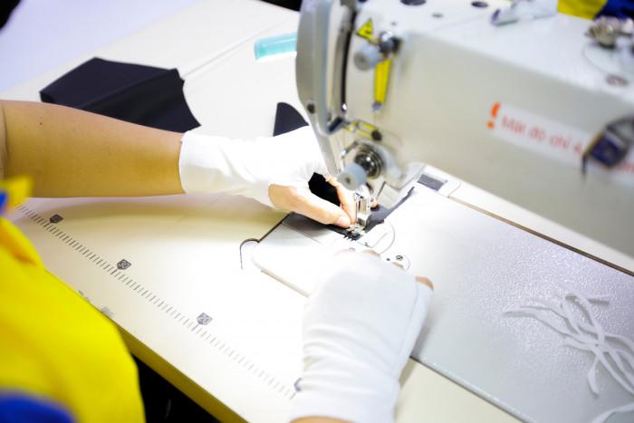 Công ty sản xuất khẩu trang vải kháng khuẩn - may in thêu logo thương hiệu - Dony Mask  - 09883257678