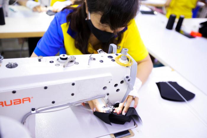 Công ty sản xuất khẩu trang vải kháng khuẩn - may in thêu logo thương hiệu - Dony Mask  - 09883257679
