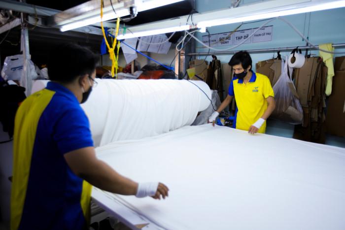 Công ty sản xuất khẩu trang vải kháng khuẩn - may in thêu logo thương hiệu - Dony Mask  - 098832576712