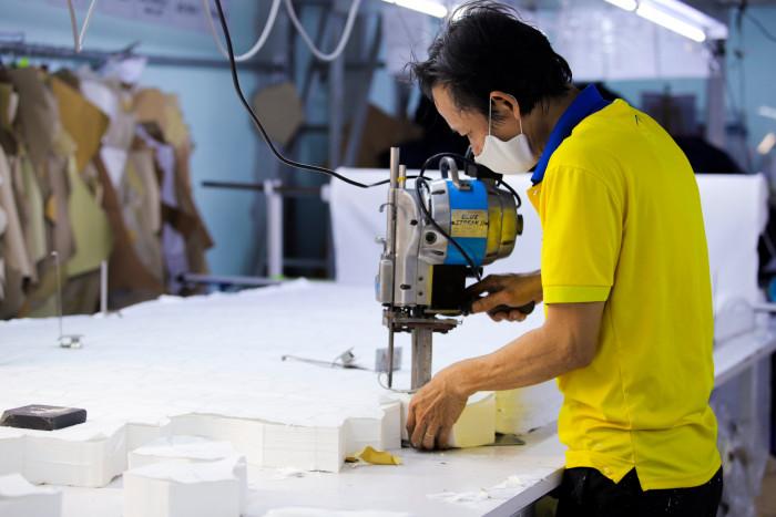 Công ty sản xuất khẩu trang vải kháng khuẩn - may in thêu logo thương hiệu - Dony Mask  - 098832576720