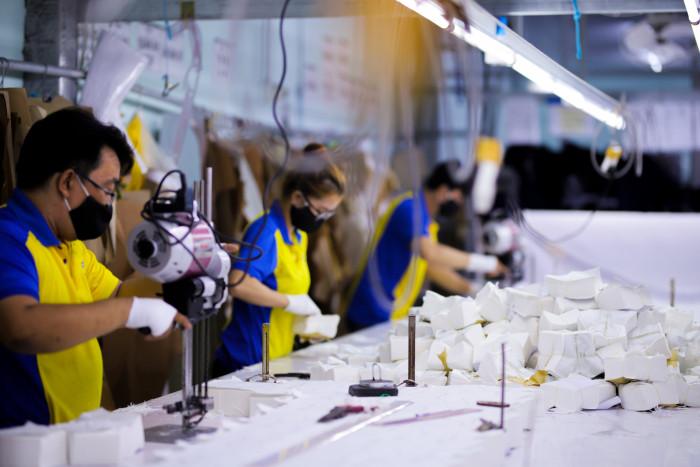 Công ty sản xuất khẩu trang vải kháng khuẩn - may in thêu logo thương hiệu - Dony Mask  - 098832576725