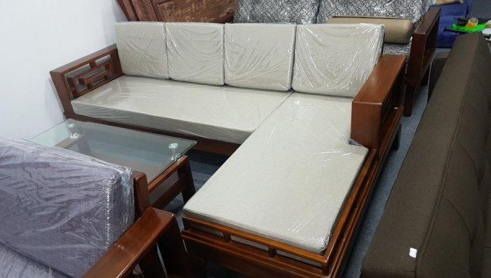 Mẫu sofa gỗ hiện đại cho phòng khách thêm sang trọng hơn0