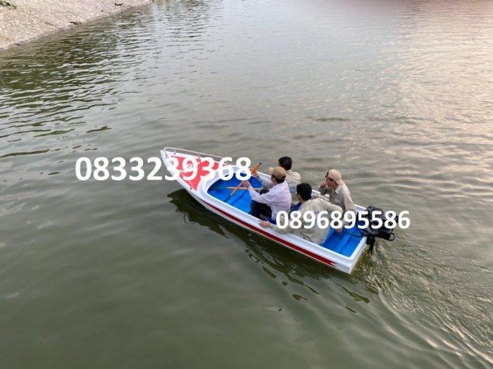 Thuyền du lịch cho khu Resort, Khu du lịch nghĩ dưỡng0