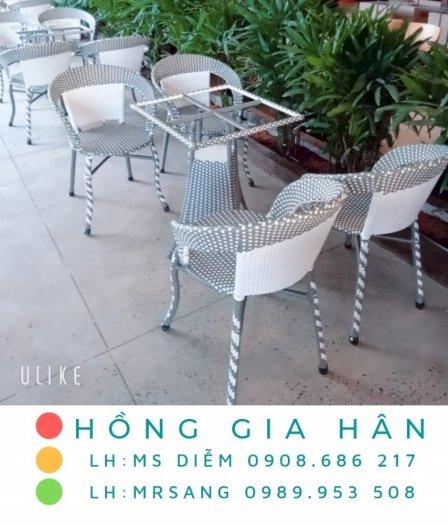 Bộ bàn ghế mây nhựa Hồng Gia Hân BGM180